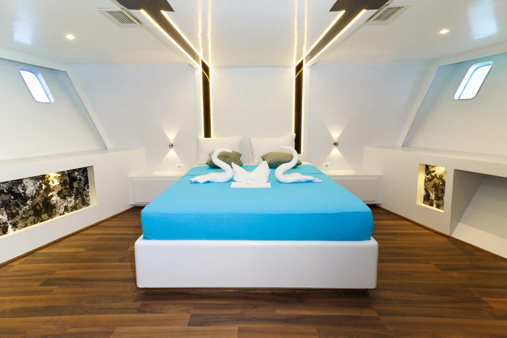 suite yate turquoise mar rojo